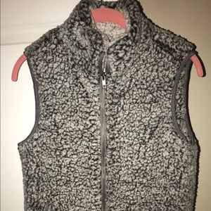 Thread & Supply womens Sherpa vest sz small